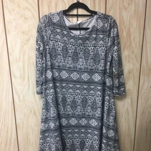 Honey & lace dress size large
